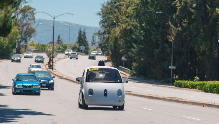 Google Car, Big G abbandona il progetto e punta sulle partnership