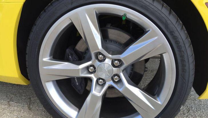 Prova su strada Chevrolet Camaro SS 2016: il V8 da 6,2 litri e 433CV - Foto 5 di 29