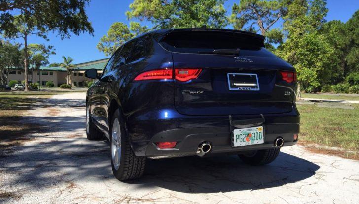 Jaguar F-Pace provata su strada negli USA, in Florida - Foto 8 di 19