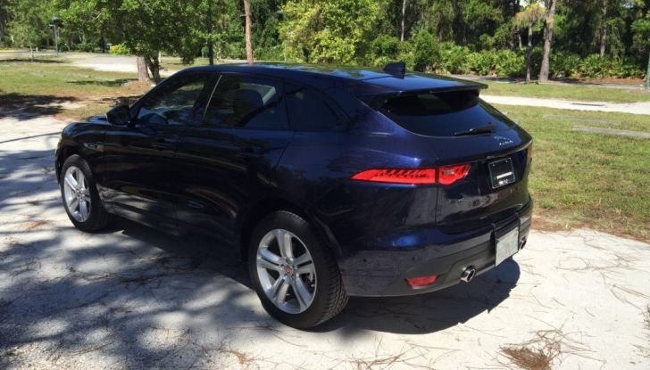 Jaguar F-Pace provata su strada negli USA, in Florida - Foto 3 di 19