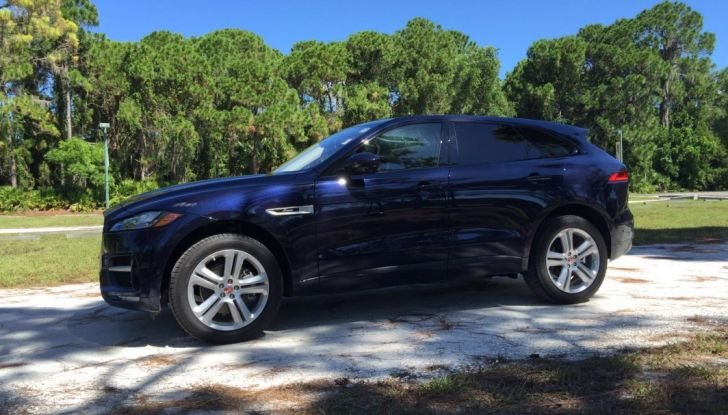 Jaguar F-Pace provata su strada negli USA, in Florida - Foto 5 di 19