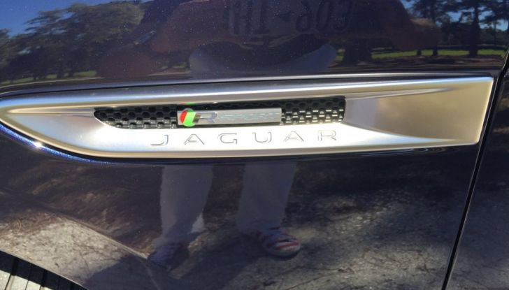 Jaguar F-Pace provata su strada negli USA, in Florida - Foto 13 di 19
