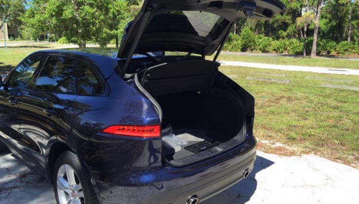 Jaguar F-Pace provata su strada negli USA, in Florida - Foto 19 di 19