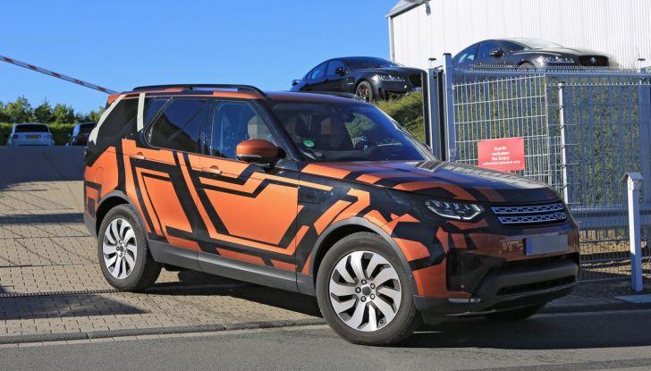 Land Rover Discovery 2017: le foto spia del prototipo - Foto 1 di 14