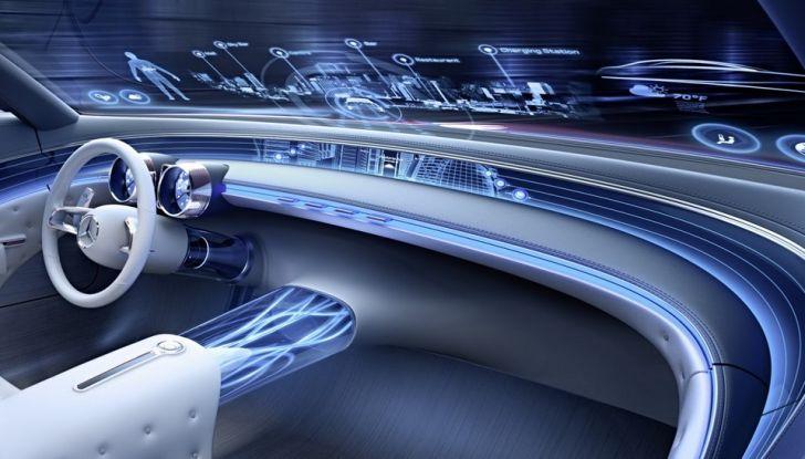 Vision Mercedes-Maybach 6: una concept elettrica da 750 CV - Foto 13 di 21