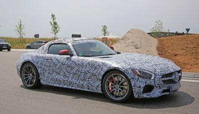Mercedes AMG GT Roadster, le prime immagini spia dei test