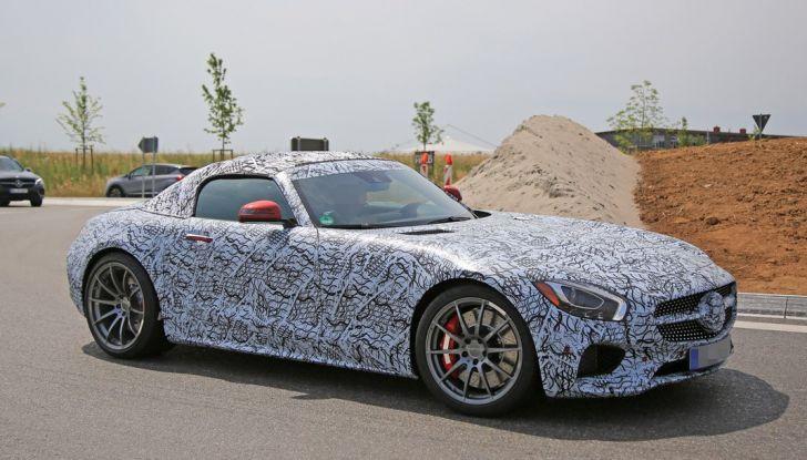 Mercedes AMG GT Roadster, le prime immagini spia dei test - Foto 1 di 10