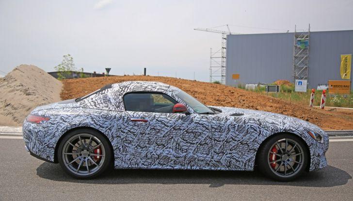 Mercedes AMG GT Roadster, le prime immagini spia dei test - Foto 3 di 10