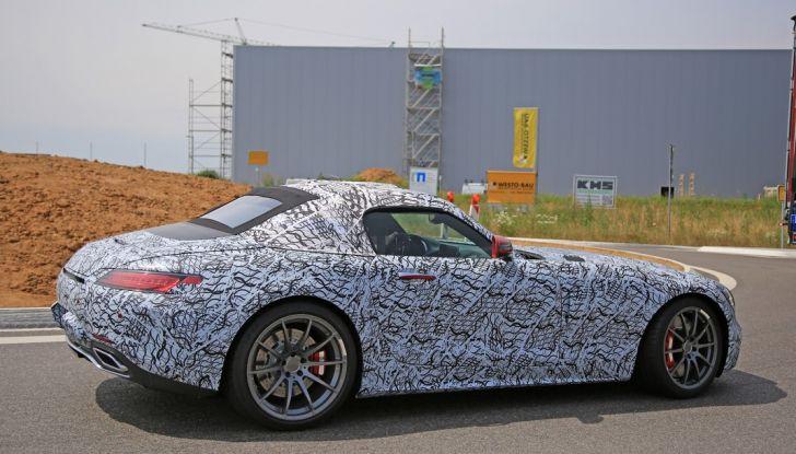 Mercedes AMG GT Roadster, le prime immagini spia dei test - Foto 4 di 10
