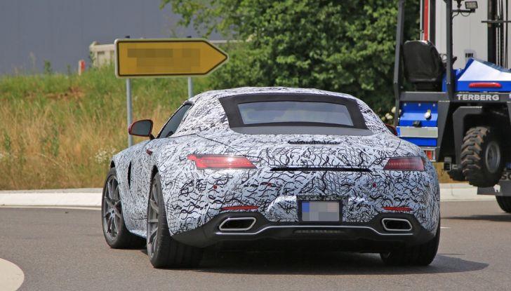 Mercedes AMG GT Roadster, le prime immagini spia dei test - Foto 8 di 10