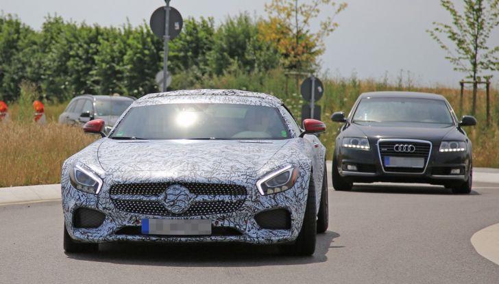Mercedes AMG GT Roadster, le prime immagini spia dei test (9)