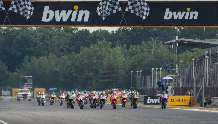 Risultati MotoGP 2016, Brno: trionfa Crutchlow, secondo Rossi - Foto 12 di 21