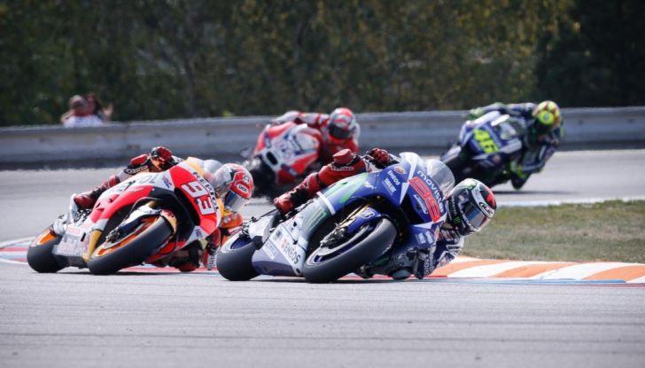 Risultati MotoGP 2016, Brno: trionfa Crutchlow, secondo Rossi - Foto 16 di 21