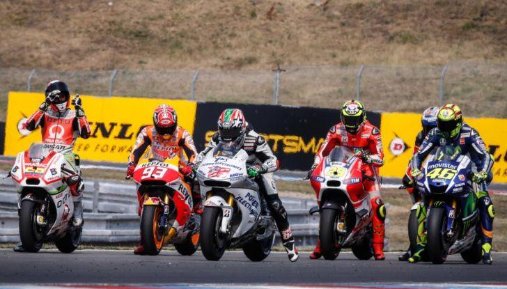 Risultati MotoGP 2016, Brno: Marquez primo nelle qualifiche, Iannone terzo - Foto 3 di 21