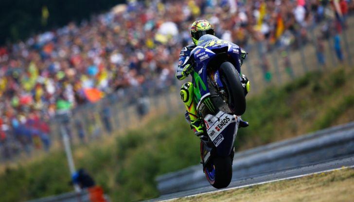Risultati MotoGP 2016, Brno: trionfa Crutchlow, secondo Rossi - Foto 4 di 21