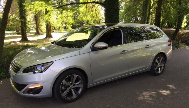 Peugeot 308 station wagon BlueHDi 150 CV: test drive, prezzi e caratteristiche - Foto 1 di 24