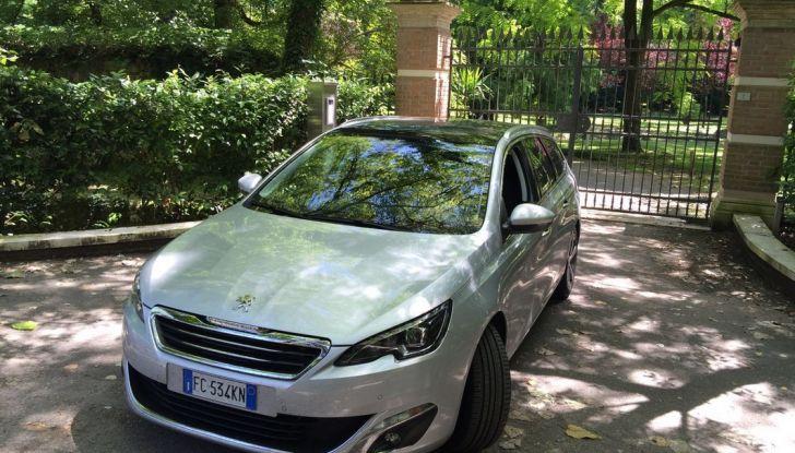 Peugeot 308 station wagon BlueHDi 150 CV: test drive, prezzi e caratteristiche - Foto 11 di 24
