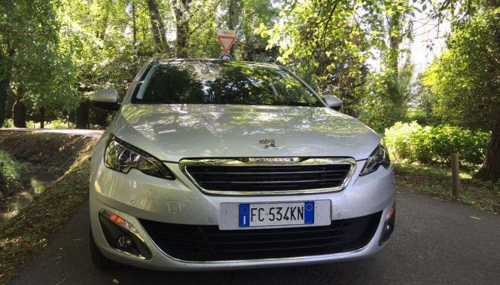 Peugeot 308 station wagon BlueHDi 150 CV: test drive, prezzi e caratteristiche - Foto 12 di 24