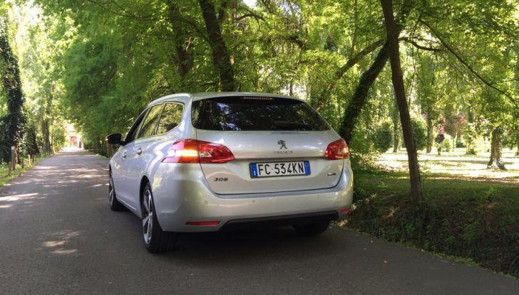 Peugeot 308 station wagon BlueHDi 150 CV: test drive, prezzi e caratteristiche - Foto 15 di 24