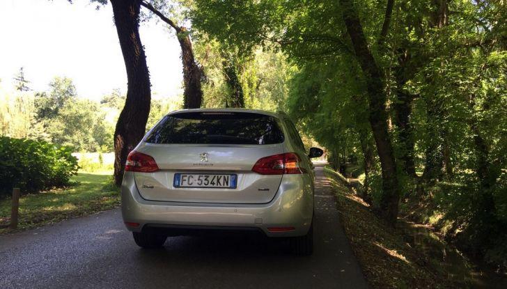 Peugeot 308 station wagon BlueHDi 150 CV: test drive, prezzi e caratteristiche - Foto 16 di 24