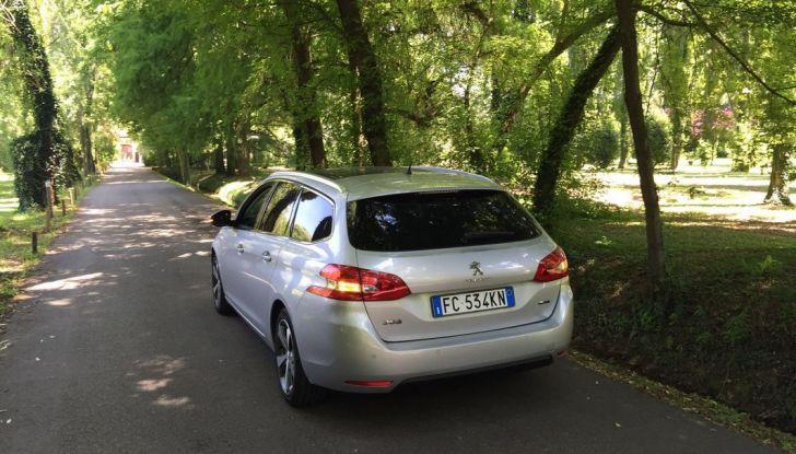 Peugeot 308 station wagon BlueHDi 150 CV: test drive, prezzi e caratteristiche - Foto 17 di 24