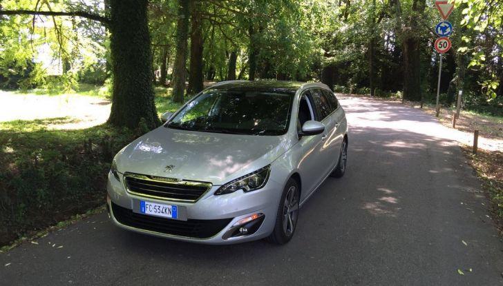 Peugeot 308 station wagon BlueHDi 150 CV: test drive, prezzi e caratteristiche - Foto 18 di 24