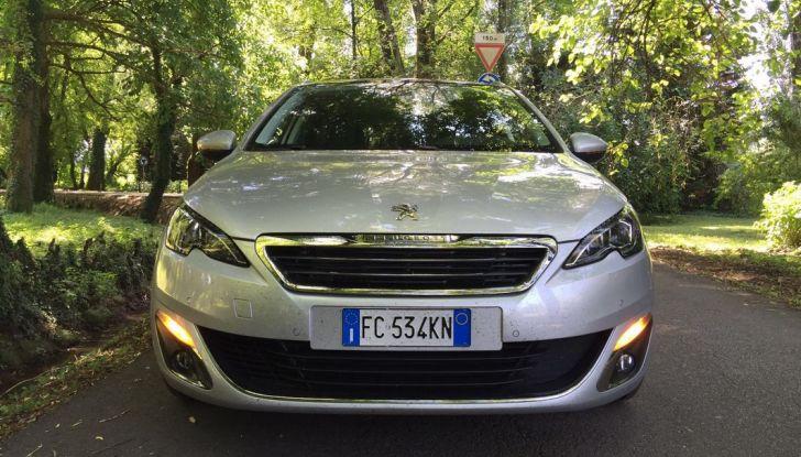 Peugeot 308 station wagon BlueHDi 150 CV: test drive, prezzi e caratteristiche - Foto 19 di 24
