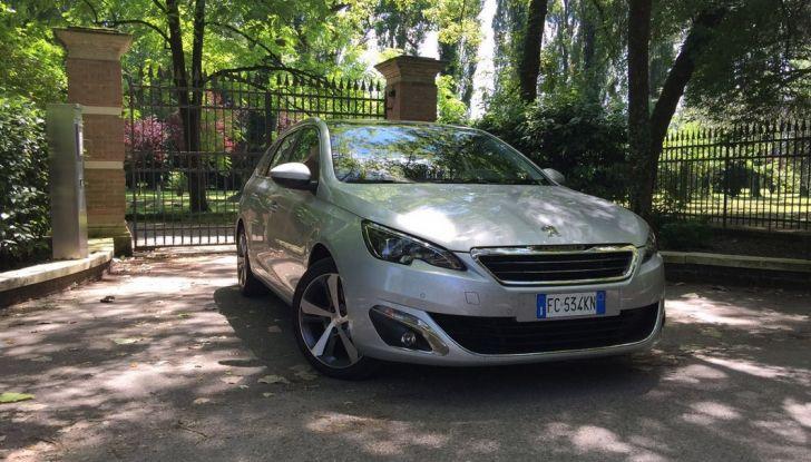 Peugeot 308 station wagon BlueHDi 150 CV: test drive, prezzi e caratteristiche - Foto 2 di 24