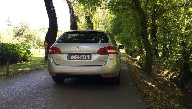 Peugeot 308 station wagon BlueHDi 150 CV: test drive, prezzi e caratteristiche - Foto 23 di 24