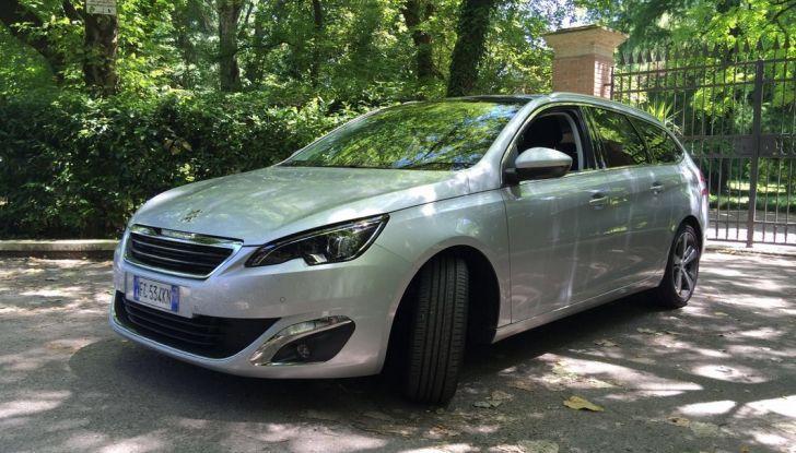Peugeot 308 station wagon BlueHDi 150 CV: test drive, prezzi e caratteristiche - Foto 4 di 24