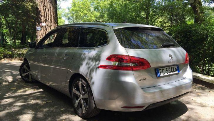 Peugeot 308 station wagon BlueHDi 150 CV: test drive, prezzi e caratteristiche - Foto 5 di 24