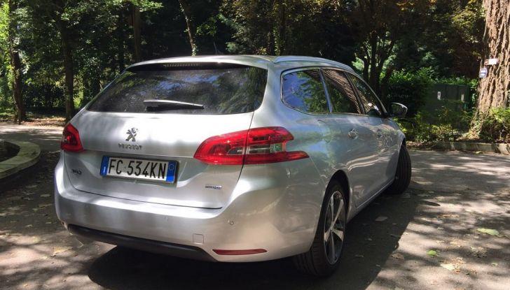 Peugeot 308 station wagon BlueHDi 150 CV: test drive, prezzi e caratteristiche - Foto 6 di 24