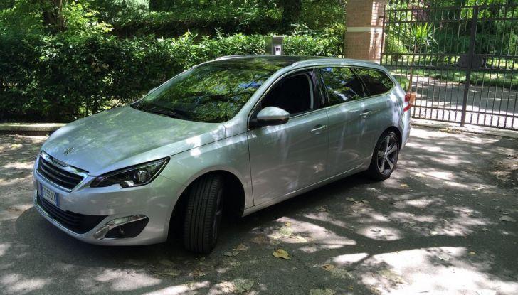 Peugeot 308 station wagon BlueHDi 150 CV: test drive, prezzi e caratteristiche - Foto 9 di 24