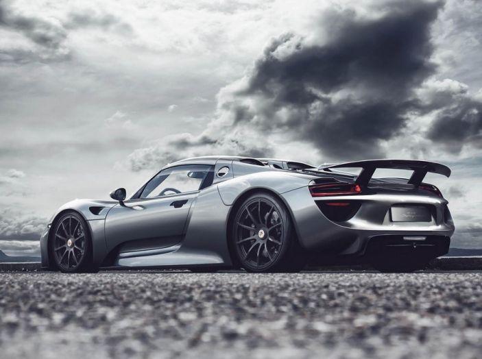 Porsche 918 Spyder: per averla c'è chi scambia un'isola - Foto 8 di 10