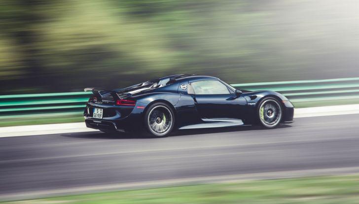 Porsche 918 Spyder: per averla c'è chi scambia un'isola - Foto 3 di 10
