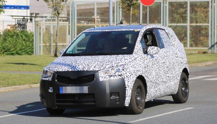 Opel Meriva 2017: le foto spia del prototipo, ora con maggiori dettagli - Foto 2 di 16