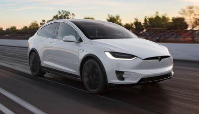Tesla Autopilot salva un uomo portandolo in ospedale