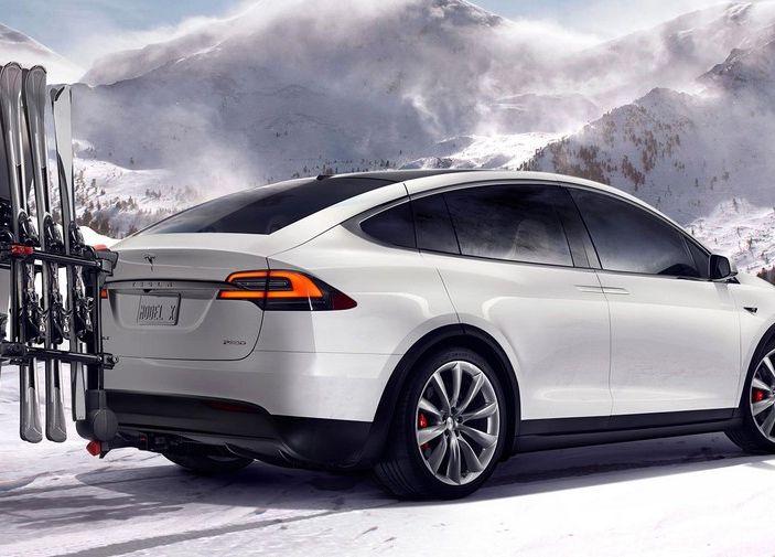 Tesla annuncia Autopilot 9: verso la guida autonoma di livello 4? - Foto 7 di 9