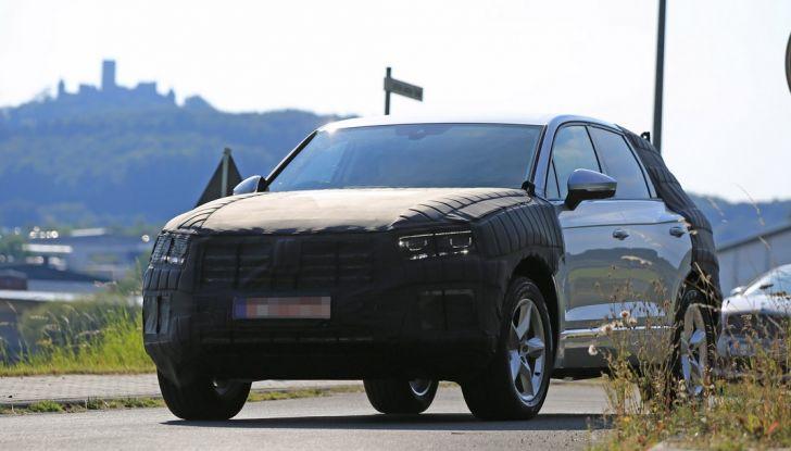 Volkswagen Touareg 2018: le prime foto spia del prototipo - Foto 1 di 16