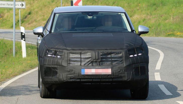Volkswagen Touareg 2018: le prime foto spia del prototipo - Foto 6 di 16