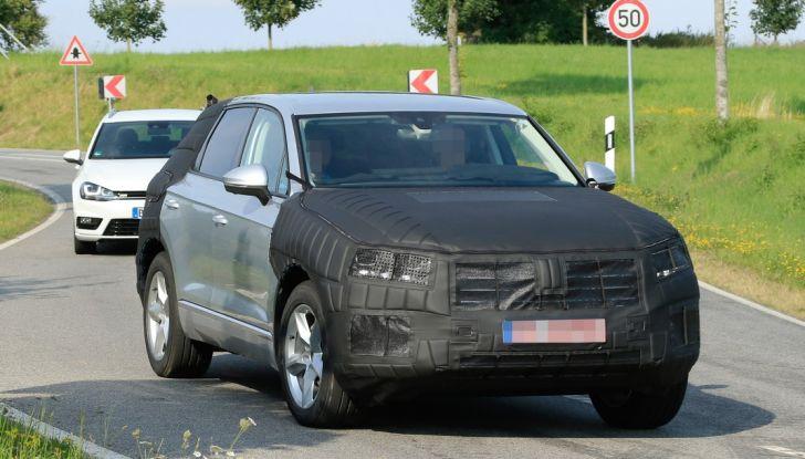 Volkswagen Touareg 2018: le prime foto spia del prototipo - Foto 8 di 16