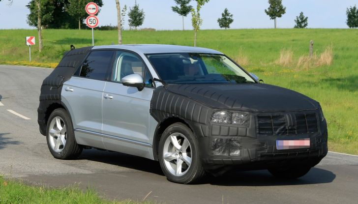 Volkswagen Touareg 2018: le prime foto spia del prototipo - Foto 9 di 16
