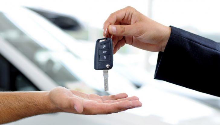 Acquistare o vendere un'auto usata: 10 consigli per prevenire le truffe tra privati - Foto 10 di 10