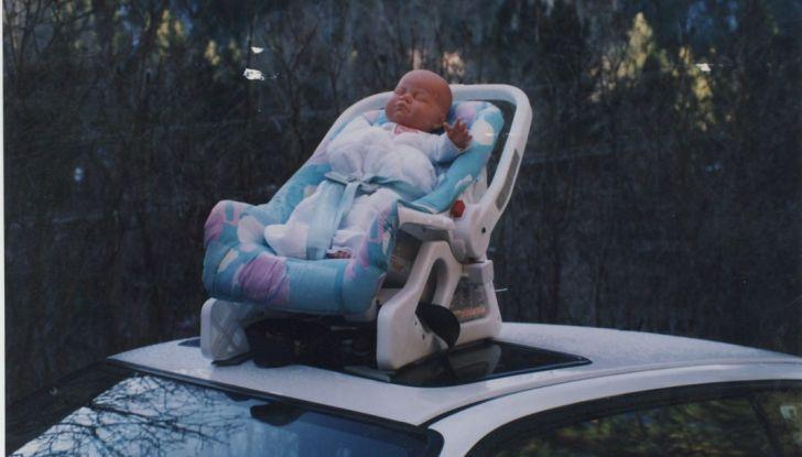 Sicurezza bambini in auto: gli 8 errori da non fare - Foto 4 di 9