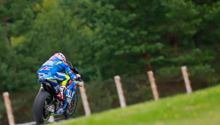 Risultati MotoGP 2016, Silverstone: vince Vinales, Rossi terzo - Foto 4 di 27