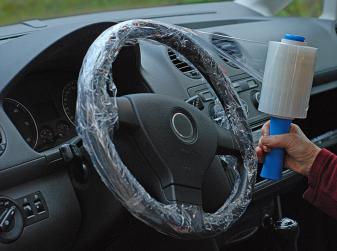 Come proteggere il volante dell'auto dall'usura