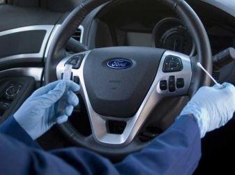 Come pulire il volante dell'auto, alcuni consigli pratici