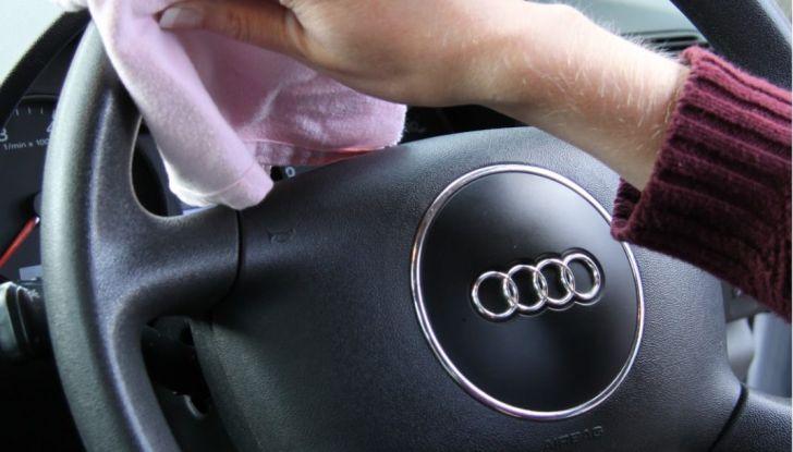 Come proteggere il volante dell'auto dall'usura - Foto 4 di 6