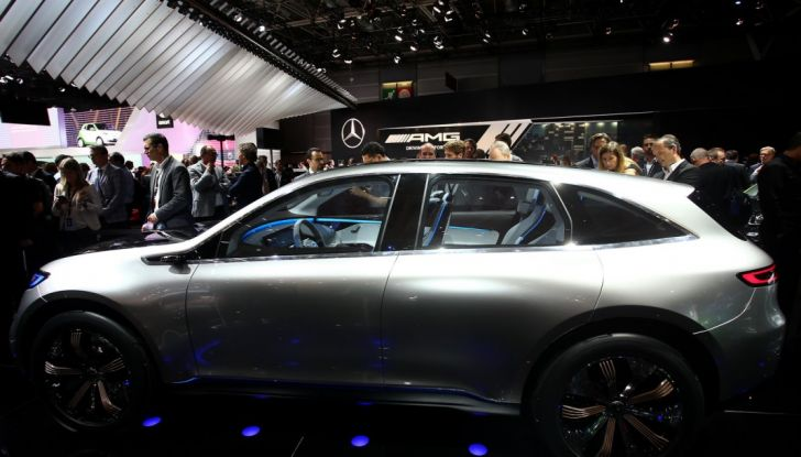 Mercedes Generation EQ al Salone di Parigi 2016 - Foto 9 di 24