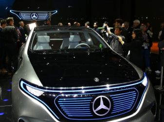Mercedes Generation EQ al Salone di Parigi 2016